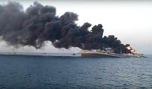 Zatonął największy okręt irańskiej floty. Pożar był nie do opanowania