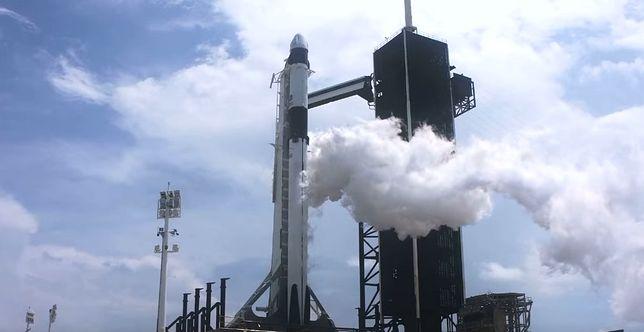 Nowa era lotów kosmicznych. Historyczna misja SpaceX i NASA