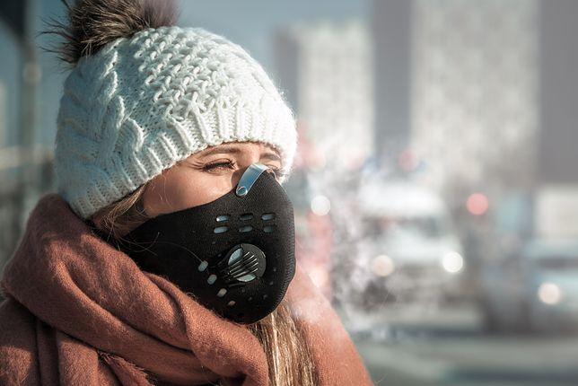 Czyste powietrze w drodze do pracy. Maska antysmogowa dla zdrowia