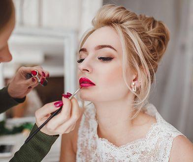 Makijaż ślubny dla blondynek. O jakich zasadach warto pamiętać przed najważniejszym dniem?