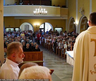 Śledczy ujawniają coraz więcej przestępstw na tle seksualnym w Kościele katolickim.