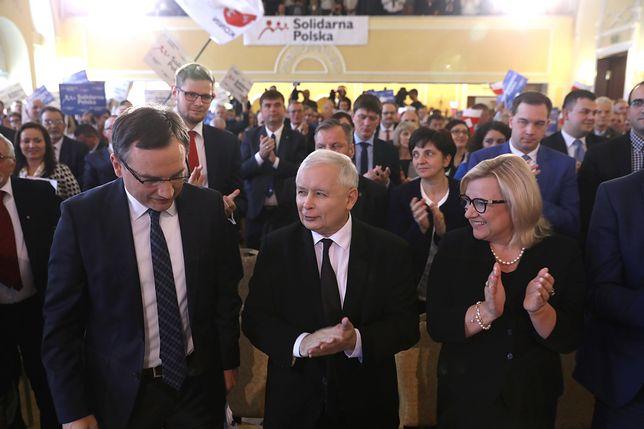 """""""Ziobryści"""" zapraszają Jarosława Kaczyńskiego na konwencję o sądach. Prezes PiS jest sceptyczny"""