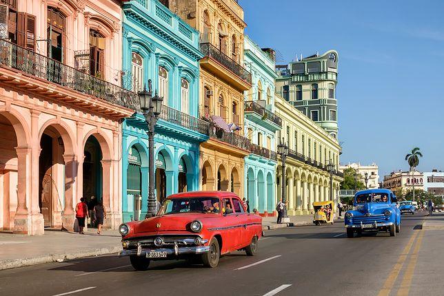 Kuba - kraj salsy, najlepszych drinków na świecie i zabytkowych samochodów, które jeżdżą wszędzie.