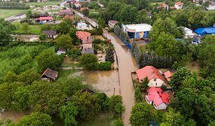 Zalane domy w Dąbrowie Tarnowskiej. To stąd w nocy z wtorku na środę ewakuowano mieszkańców.
