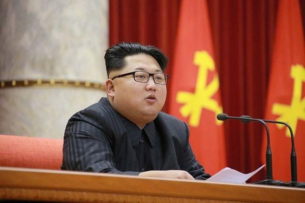 Kim Dzong Un nadzorował test silnika rakietowego