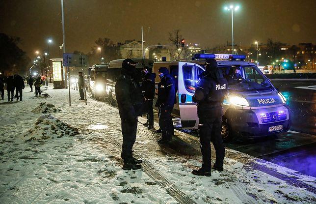 Gdańsk. Policja kontroluje lokalne oraz kluby (zdjęcie ilustracyjne)