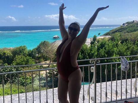 Ciężarna Amy Schumer w bardzo skąpym stroju kąpielowym