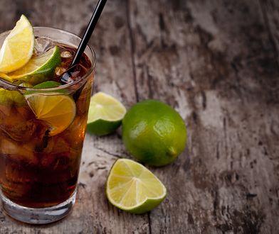 Robienie drinków to idealna zabawa na każdej imprezie