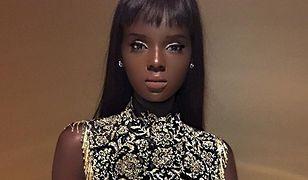 Kobiety-Barbie istnieją. Wystarczy spojrzeć na tę modelkę