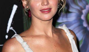 Jennifer Lawrence jak Kopciuszek. Spójrzcie na te plecy!