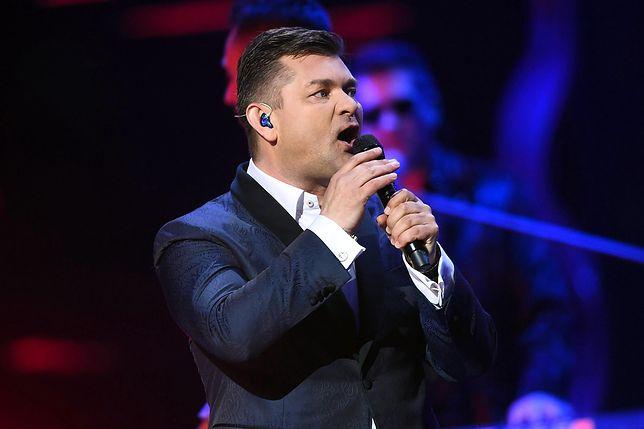"""""""Wakacyjna trasa Dwójki"""". Widzowie obejrzą koncerty z własnych samochodów"""