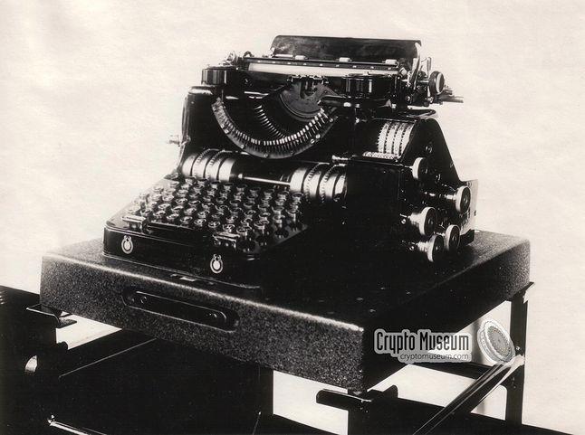 Enigma B (źródło: cryptomuseum.com