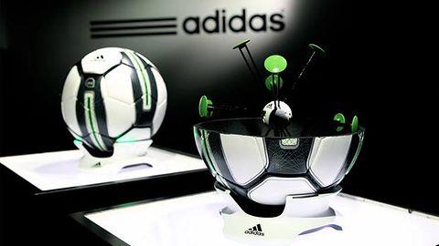 Nowe technologie w piłce nożnej. Czy bez nich można jeszcze wygrać?
