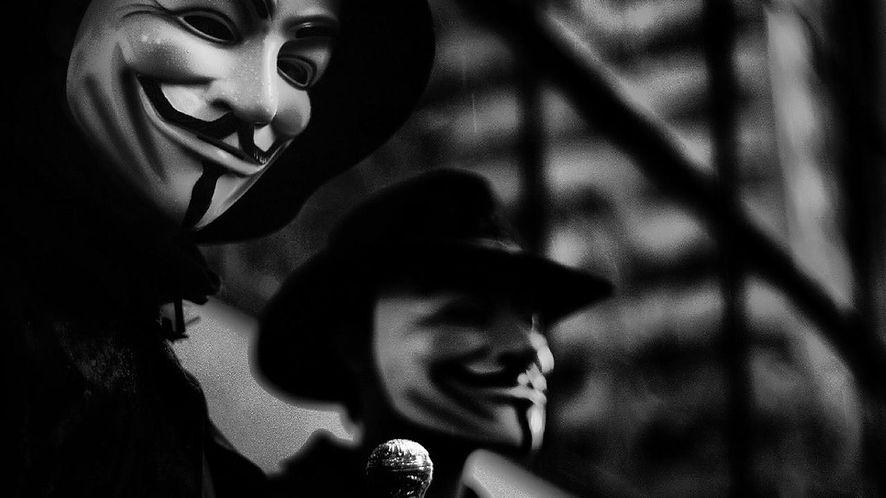 Milionerzy i martwe dusze, czyli handel tożsamościami po ciemnej stronie Internetu