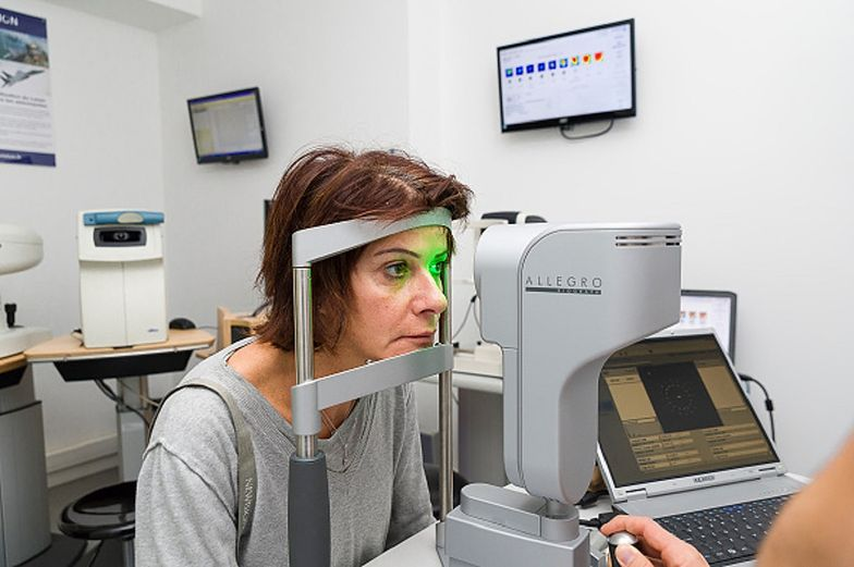 """Higiena oczu w Polsce. Eksperci alarmują i polecają metodę """"20-20-20"""""""