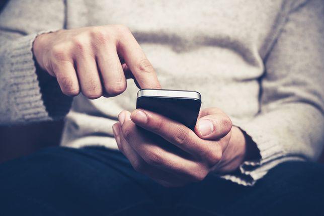 """Oszustwo SMS """"na kuriera"""" powraca"""