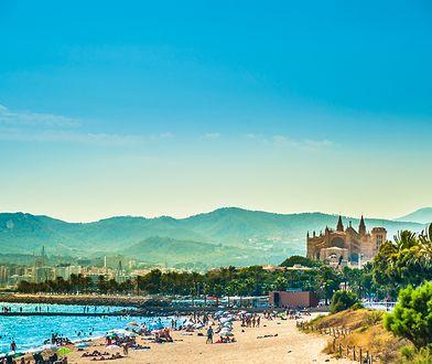 Rada miasta Palmy wprowadziła nowe zasady dotyczące zachowania turystów odwiedzających to hiszpańskie miasteczko