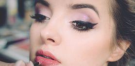 Jak malować oczy kredką - rodzaje kredek, eyeliner, jak używać kredki, a jak eyelinera?