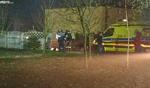 Ciało mężczyzny z szamba wyciągnęli strażacy.