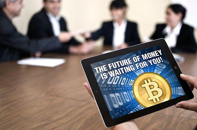 """""""To największa bańka spekulacyjna naszych czasów"""". Bitcoin po 10 tys. dolarów?"""