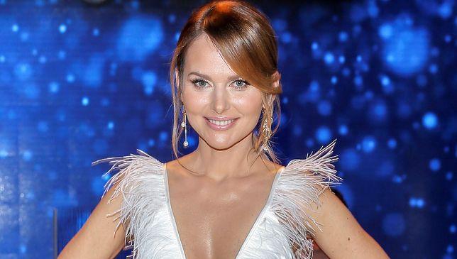 Paulina Sykut-Jeżyna publicznie goli nogi. Reklamuje nowy produkt