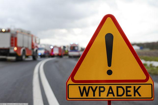 Wypadek autobusu z dziećmi koło Radomia. Wpadł do rowu