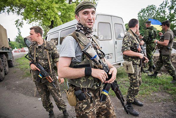 Siły rządowe Ukrainy otrzymały polskie kamizelki kuloodporne i hełmy