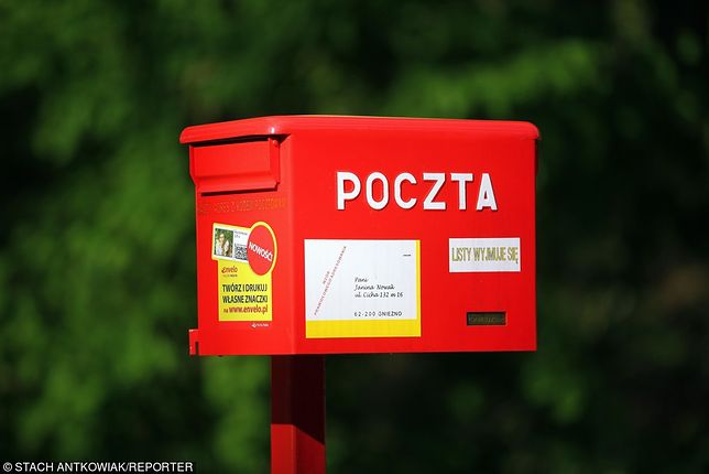 Przez 36 lat roznosił listy, aż nagle został zwolniony. Wstawili się za nim mieszkańcy i grożą Poczcie Polskiej