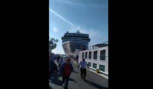Liniowiec wyparł z nabrzeża mały statek turystyczny
