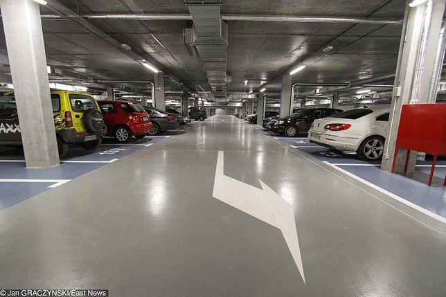 Problem z parkingami i garażami podziemnymi. Jeden pewniak z dziesięciu planowanych