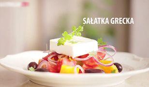 Sałatka grecka. Pomysł na szybką i lekką kolację