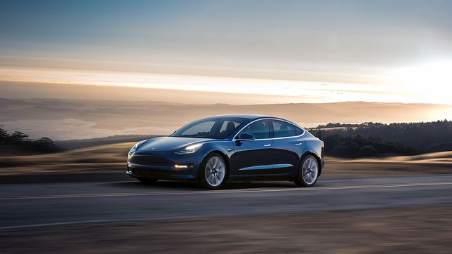 Tesla model 3 wypadek
