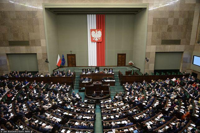 Koronawirus w Polsce? Trwa nadzwyczajne posiedzenie Sejmu