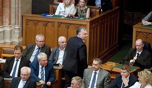 Rządzący Węgrami Fidesz Viktora Orbana ma większość konstytucyjną