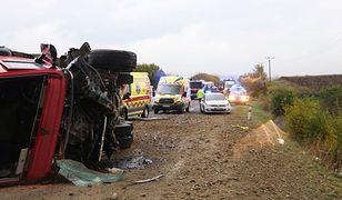 W wypadku zginęło 12 osób, w tym czworo dzieci