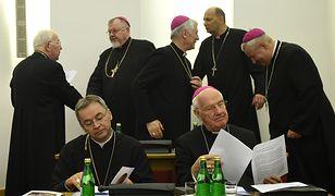 Komitet Episkopatu Polski reaguje na brak księży w rejestrze pedofilów