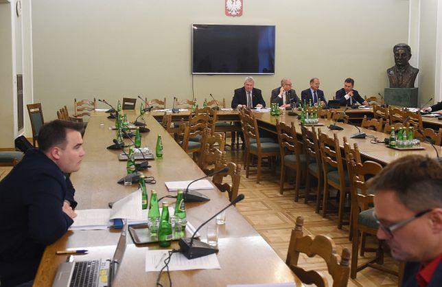 Senacka komisja rozpoczęła pracę nad nowelą o KRS. Członkowie PO opuścili salę