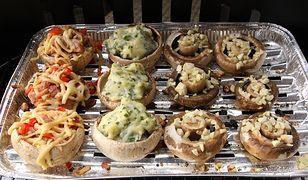 Pieczarki faszerowane z rusztu. Podaj do dania głównego
