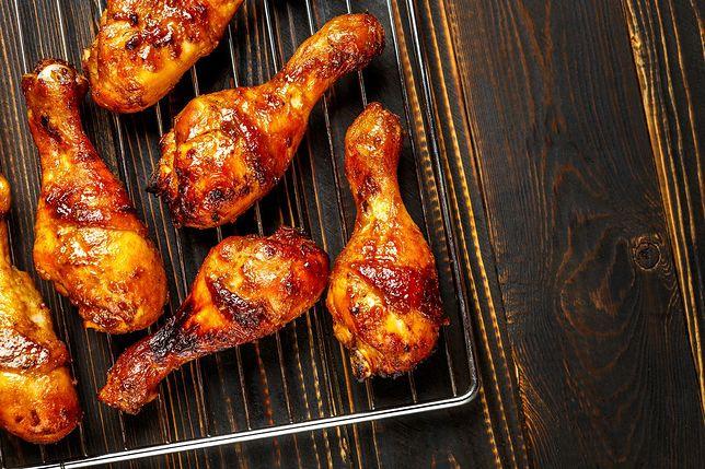 Pałki kurczaka w miodowej glazurze