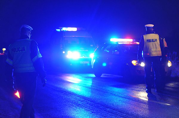 Pożar składowiska opon w Buszycach. Zablokowana droga krajowa nr 94