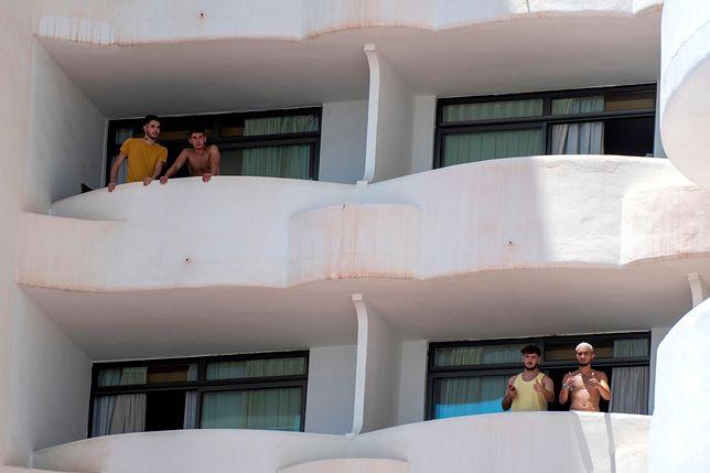Licealiści odbywają kwarantannę w hotelu na Majorce