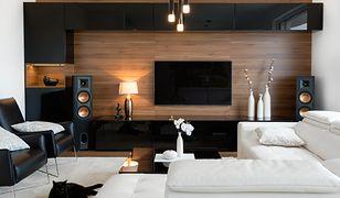 Schowanie kabli wymaga wmurowania w ścianie specjalnego kanału, który powinien mieć średnicę przynajmniej 6 cm
