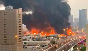 Zjednoczone Emiraty Arabskie. Ogromny pożar w Adżmanie, niedaleko Dubaju