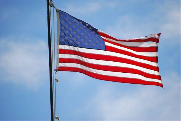 Amerykanie masowo rezygnują z obywatelstwa. Nie, nie przez Trumpa