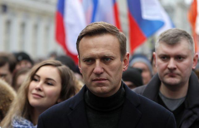 """Aleksiej Nawalny skazany. """"Wiedział, że trafi za kratki"""""""