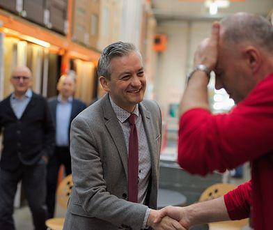 Robert Biedroń buduje ekipę na wybory do PE. Jakub Bierzyński wystartuje z jego list