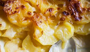 Jednogarnkowe gratin dauphinois. Zapiekane ziemniaki w śmietanie