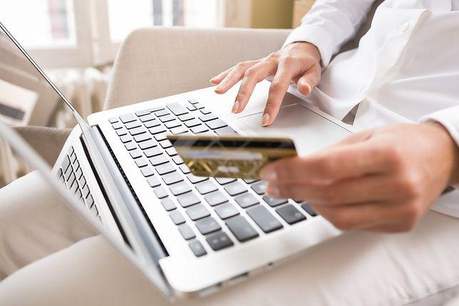 Uważaj, gdzie wpisujesz dane z karty płatniczej