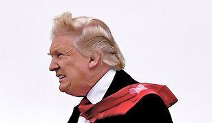 Farsa, fiasko i spiski. Tak sypie się prezydentura Trumpa