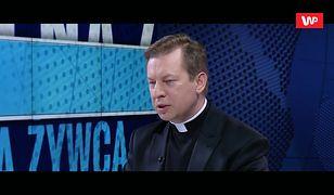 """""""Kościół absolutnie potępia pedofilię"""". Ale na pogrzeb biskupa Wesołowskiego przyszło wielu księży"""